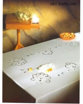 Tovaglia Ricamata A Mano Made In Italy Cotone Papillon